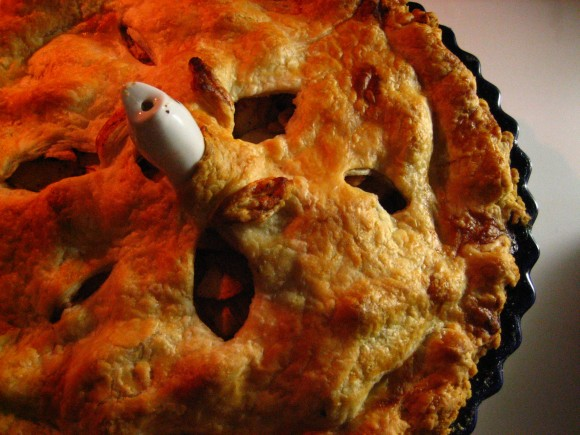 Apple Cranberry Pie (w/Pie Bird)